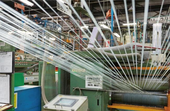 工場内の製造工程